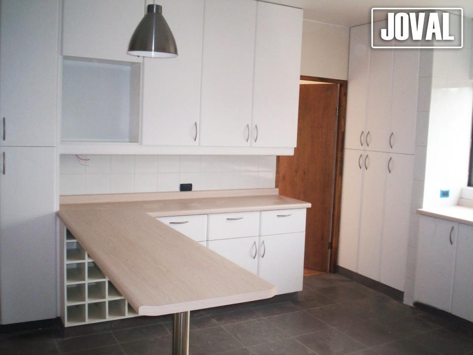Muebles de cocina joval proyectos mobiliarios a medida - Mueble persiana cocina ...